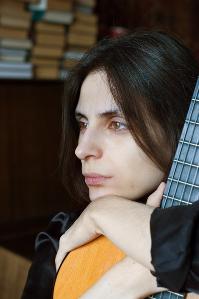 Alina Yudaeva - guitar player, сomposer, sound engineer, teacher